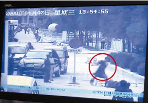Loạt scandal choảng nhau chấn động Cbiz: Triệu Vy bạo lực, Trần Quán Hy bị đánh bất tỉnh nhân sự nhưng chưa bằng vụ cuối - Ảnh 12.