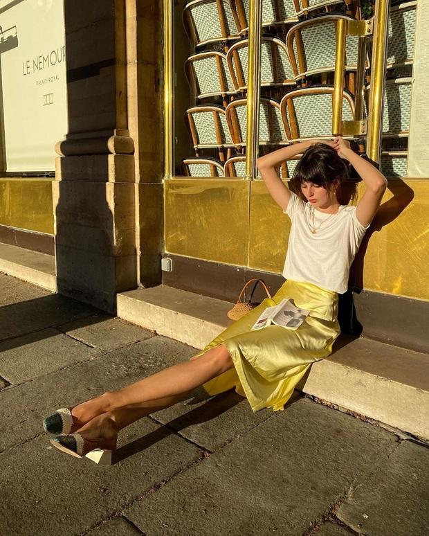 4 mẫu chân váy xinh như mộng được phụ nữ Pháp si mê từ năm này qua tháng khác, bạn sắm theo là style lên đời - Ảnh 5.