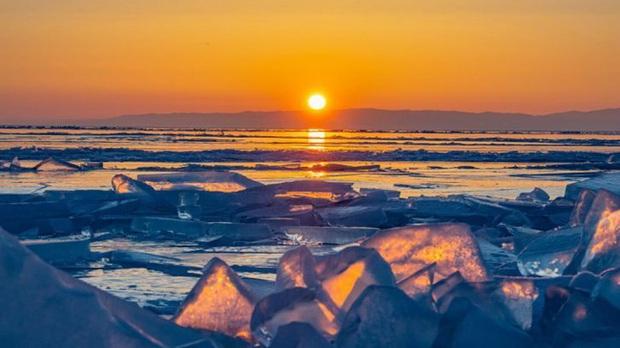 Cuộc sống nơi lạnh nhất thế giới bị đe dọa: Nắng nóng kỷ lục khiến băng vĩnh cửu tan, người dân phải đối mặt với sự đảo lộn mất kiểm soát - Ảnh 5.