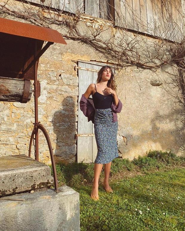 4 mẫu chân váy xinh như mộng được phụ nữ Pháp si mê từ năm này qua tháng khác, bạn sắm theo là style lên đời - Ảnh 9.