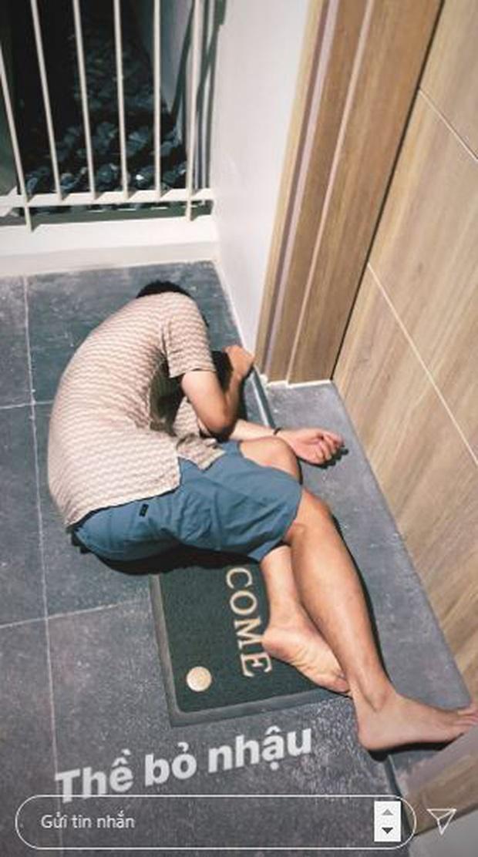 Quang Vinh say xỉn đến bất tỉnh trước cửa khách sạn, hình tượng Hoàng tử sơn ca nay còn đâu - Ảnh 2.