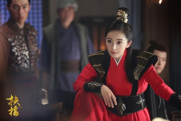 10 nữ tướng siêu ngầu màn ảnh Hoa ngữ: Ai cũng đẹp lịm người nhưng đều khó mà vượt mặt Triệu Lộ Tư ở một điểm - Ảnh 12.