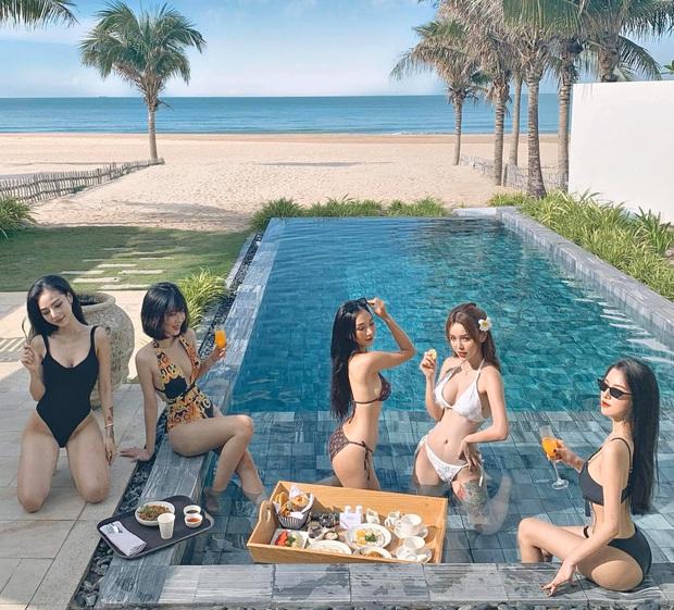 Hội gái đẹp chơi thân rủ nhau diện bikini khoe eo thon chân dài thẳng tắp: Biết nhìn vào ai đây? - Ảnh 2.