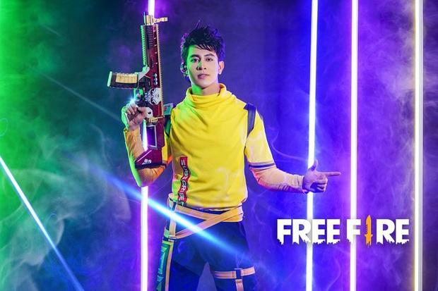 Free Fire: Lụi tim trước bộ ảnh cosplay chàng streamer Wolfrahh, điển trai như soái ca thế này thì quăng game, ngắm thôi! - Ảnh 7.