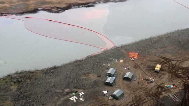 Hơn 20 nghìn tấn dầu tràn ra sông, Nga tuyên bố tình trạng khẩn cấp - Ảnh 1.