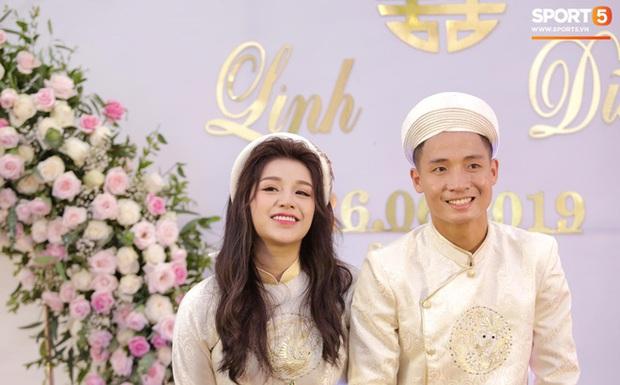 Học vấn dàn bạn gái cầu thủ Việt: Ai cũng biết vợ sắp cưới của Công Phượng siêu đỉnh nhưng 3 nàng nữa cũng chẳng kém! - Ảnh 5.