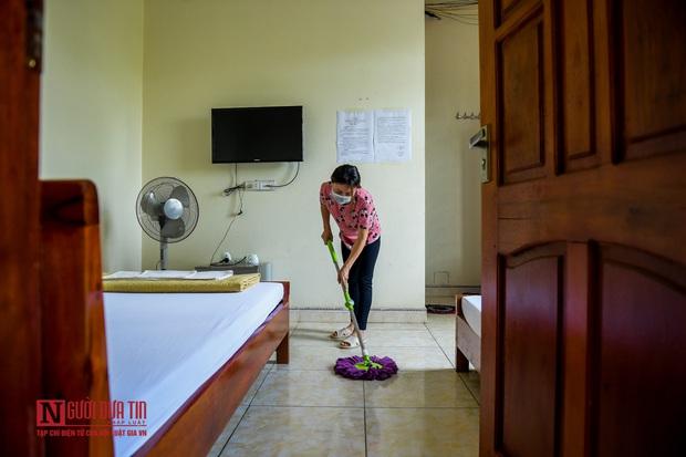 Phun khử khuẩn khu cách ly thương nhân Trung Quốc sang Lục Ngạn thu mua vải thiều - Ảnh 4.