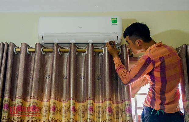 Phun khử khuẩn khu cách ly thương nhân Trung Quốc sang Lục Ngạn thu mua vải thiều - Ảnh 6.