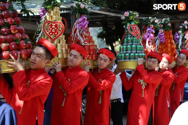Xịn như Gấu, tậu luôn dàn tuyển thủ xuất sắc nhất lịch sử Liên Quân Mobile Việt Nam làm đội bê tráp cho đám cưới khiến fan phát cuồng - Ảnh 8.