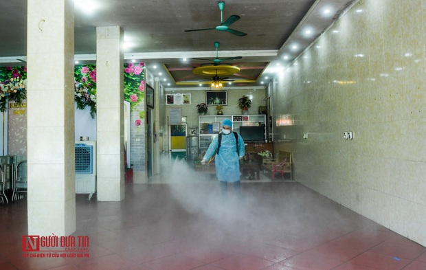 Phun khử khuẩn khu cách ly thương nhân Trung Quốc sang Lục Ngạn thu mua vải thiều - Ảnh 10.