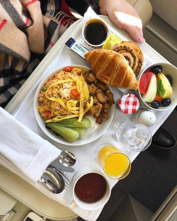 """Những hãng hàng không có suất ăn máy bay còn """"xịn"""" hơn nhà hàng 5 sao, 1 cái tên của Việt Nam cũng góp mặt trong danh sách - Ảnh 21."""