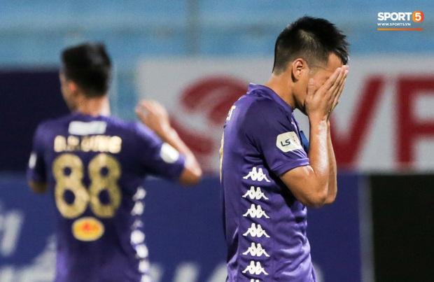 Tại sao Quang Hải không thi đấu trong ngày Hà Nội FC thua đau trên sân nhà? - Ảnh 2.