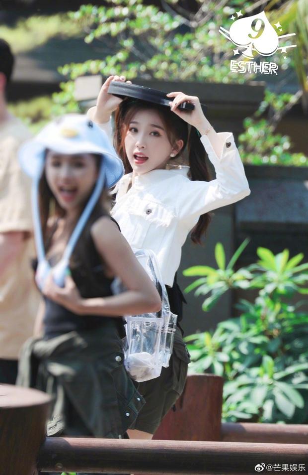 Quân đoàn THE9 rầm rập quay show: Sốc visual vì công chúa Khổng Tuyết Nhi, Ngu Thư Hân - Triệu Tiểu Đường cute xỉu - Ảnh 3.