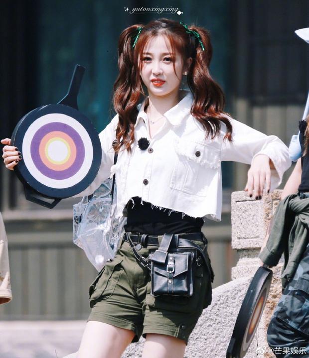 Quân đoàn THE9 rầm rập quay show: Sốc visual vì công chúa Khổng Tuyết Nhi, Ngu Thư Hân - Triệu Tiểu Đường cute xỉu - Ảnh 4.