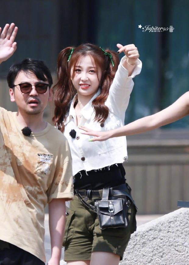 Quân đoàn THE9 rầm rập quay show: Sốc visual vì công chúa Khổng Tuyết Nhi, Ngu Thư Hân - Triệu Tiểu Đường cute xỉu - Ảnh 6.
