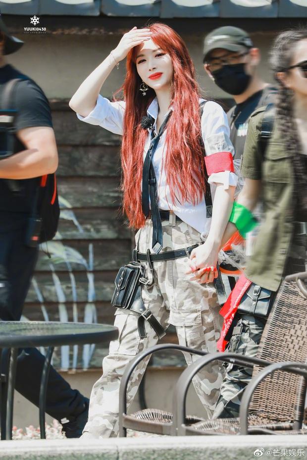 Quân đoàn THE9 rầm rập quay show: Sốc visual vì công chúa Khổng Tuyết Nhi, Ngu Thư Hân - Triệu Tiểu Đường cute xỉu - Ảnh 7.