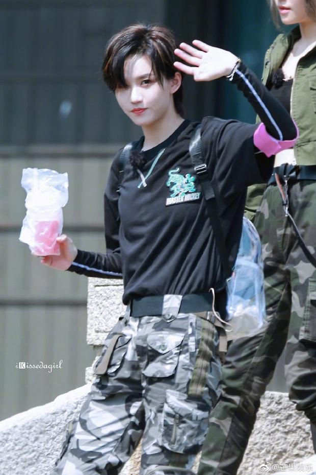 Quân đoàn THE9 rầm rập quay show: Sốc visual vì công chúa Khổng Tuyết Nhi, Ngu Thư Hân - Triệu Tiểu Đường cute xỉu - Ảnh 25.