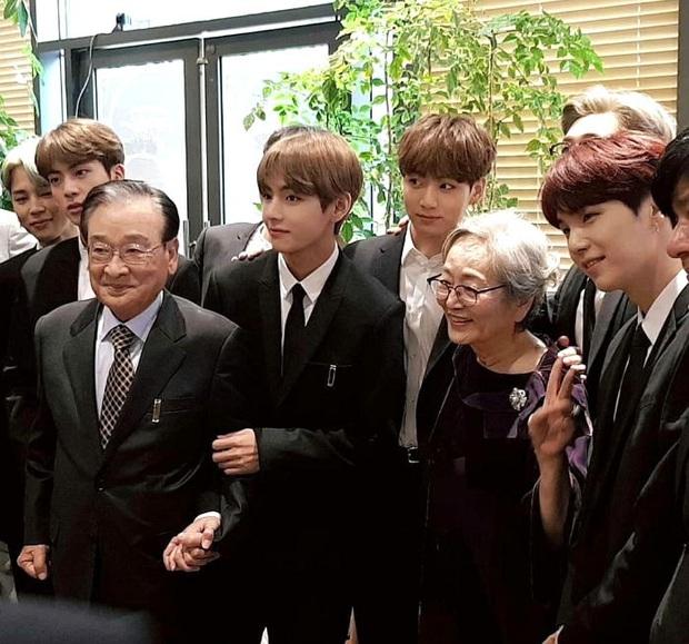 Hành trình 60 năm diễn xuất của ông nội quốc dân Lee Soon Jae: Scandal toàn hạng nặng từ tham gia dị giáo đến bóc lột trợ lý - Ảnh 4.