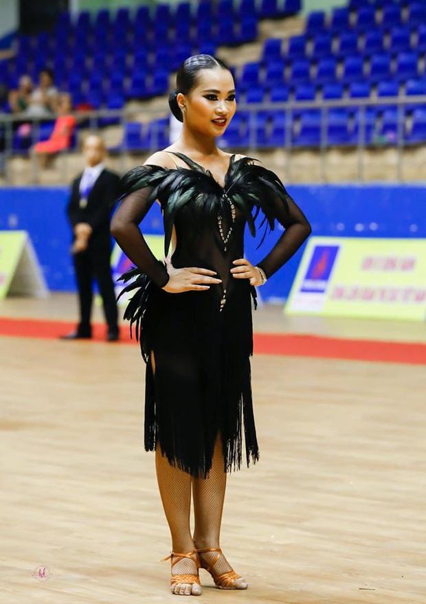 Nữ chính tập 9 Người ấy là ai: Bốc lửa trên sàn nhảy dance sport nhưng lại cực dịu dàng ở ngoài đời - Ảnh 3.