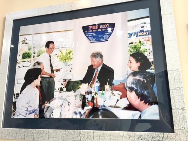 Số phận của những quán ăn Việt sau khi được các Tổng thống Mỹ ghé thăm đều thay đổi đến bất ngờ, nhưng gây tranh cãi nhất là hàng bún chả Obama - Ảnh 1.