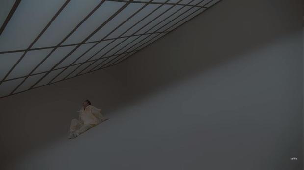 Phát hiện động trời về địa điểm quay MV mới của Sơn Tùng M-TP: Hình như sếp mượn tạm nhà Batman? - Ảnh 3.
