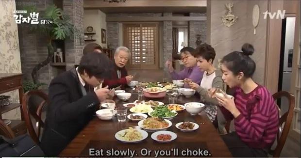 Hành trình 60 năm diễn xuất của ông nội quốc dân Lee Soon Jae: Scandal toàn hạng nặng từ tham gia dị giáo đến bóc lột trợ lý - Ảnh 6.