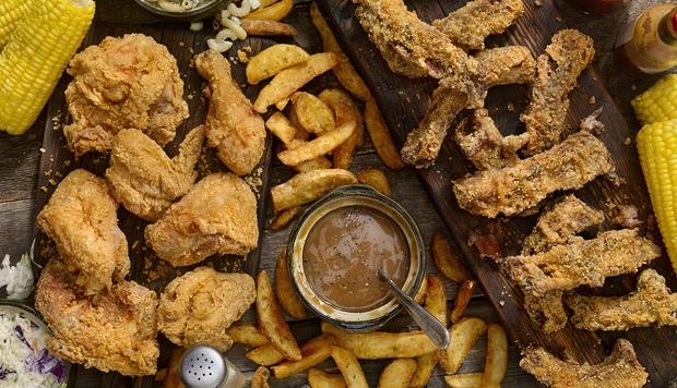 Có những món ăn bạn không nên order thường xuyên tại các nhà hàng vì người trong ngành đã tiết lộ những bí mật gây sốc về chúng - Ảnh 2.