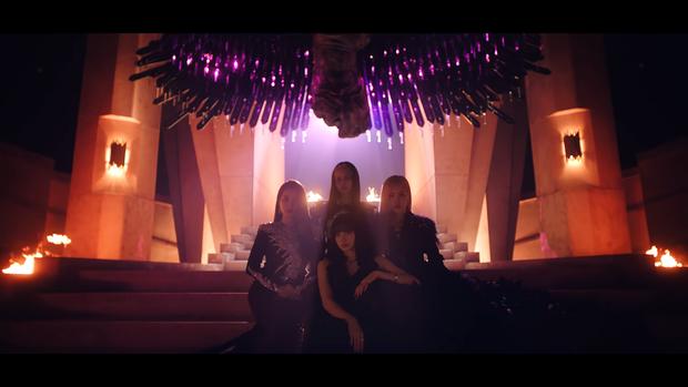 """Những chi tiết bị bỏ quên trong How You Like That: Rosé bị thương là do tai nạn từ Kill This Love"""", MV debut của BLACKPINK cũng có liên quan? - Ảnh 2."""