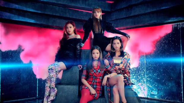 """Những chi tiết bị bỏ quên trong How You Like That: Rosé bị thương là do tai nạn từ Kill This Love"""", MV debut của BLACKPINK cũng có liên quan? - Ảnh 3."""