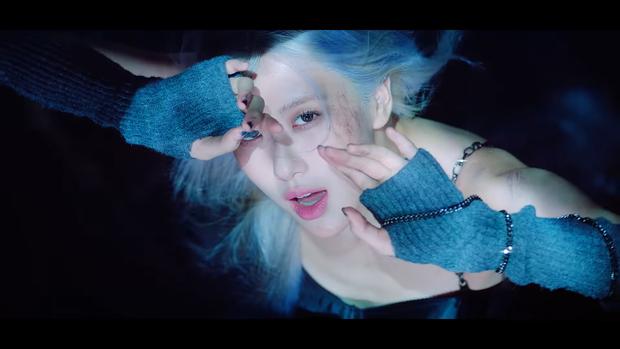 """Những chi tiết bị bỏ quên trong How You Like That: Rosé bị thương là do tai nạn từ Kill This Love"""", MV debut của BLACKPINK cũng có liên quan? - Ảnh 8."""