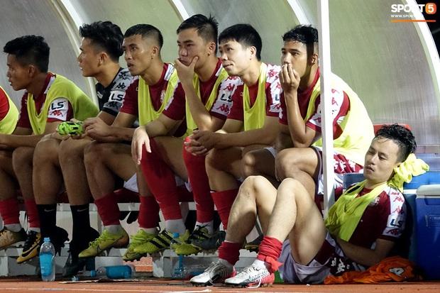 Võ Huy Toàn chấn thương nặng hơn dự kiến, cố thi đấu dù không có cảm giác bóng  - Ảnh 4.