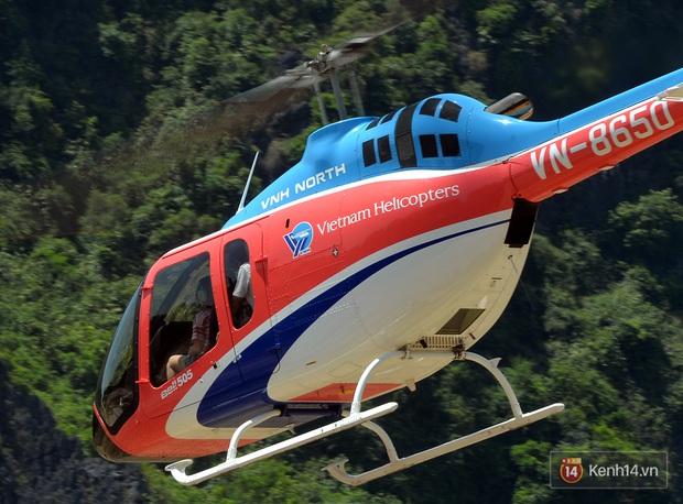 Đi Tràng An bằng máy bay: những vị khách đầu tiên đã được bay thử nghiệm ngắm cố đô trên trực thăng - Ảnh 2.