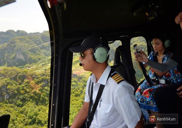 Đi Tràng An bằng máy bay: những vị khách đầu tiên đã được bay thử nghiệm ngắm cố đô trên trực thăng - Ảnh 3.