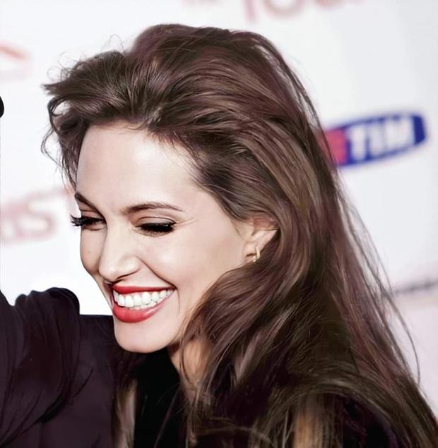 Đến chị em cũng phải mê mẩn trước nhan sắc của Angelina Jolie hồi xưa: Đẹp như một vị thần, khí chất quyến rũ ná thở - Ảnh 6.
