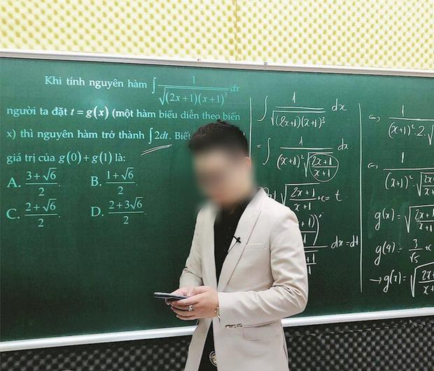 Thầy giáo làm hộ bài thi thử online đăng tâm thư xin lỗi phụ huynh và học sinh - Ảnh 1.