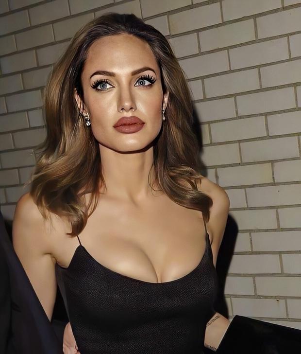 Đến chị em cũng phải mê mẩn trước nhan sắc của Angelina Jolie hồi xưa: Đẹp như một vị thần, khí chất quyến rũ ná thở - Ảnh 9.
