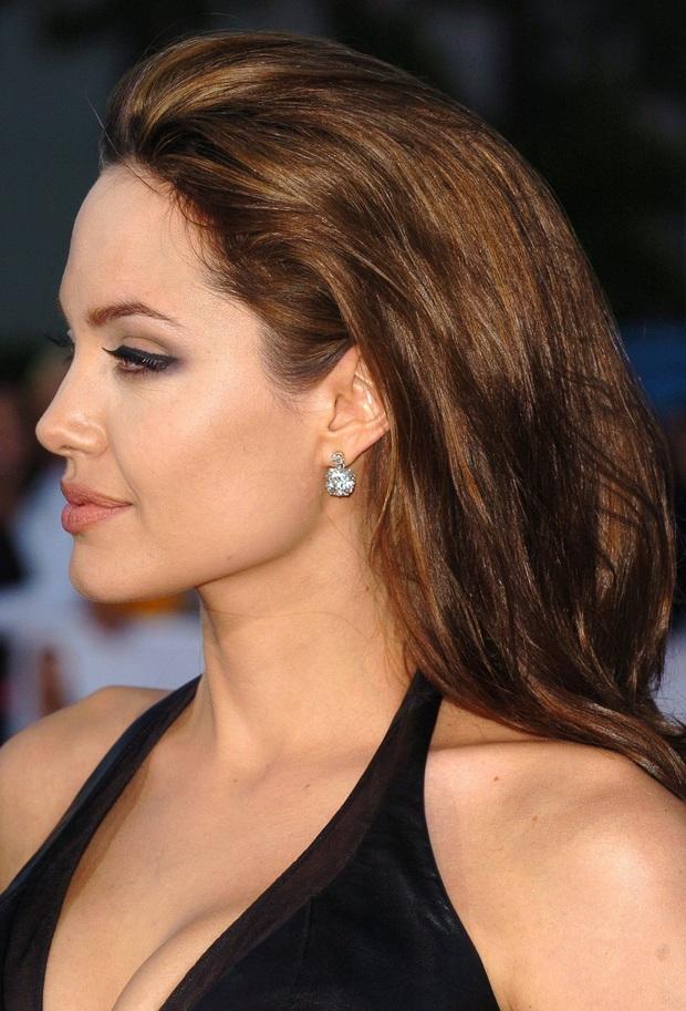 Đến chị em cũng phải mê mẩn trước nhan sắc của Angelina Jolie hồi xưa: Đẹp như một vị thần, khí chất quyến rũ ná thở - Ảnh 7.
