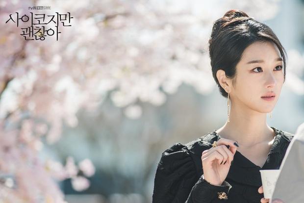 3 lý do hóng ơi là hóng Psycho But It's Okay: Cụ giáo Kim Soo Hyun tái xuất ôm luôn 64 tỉ, nữ chính tưởng vô danh mà lại rất ra gì! - Ảnh 3.