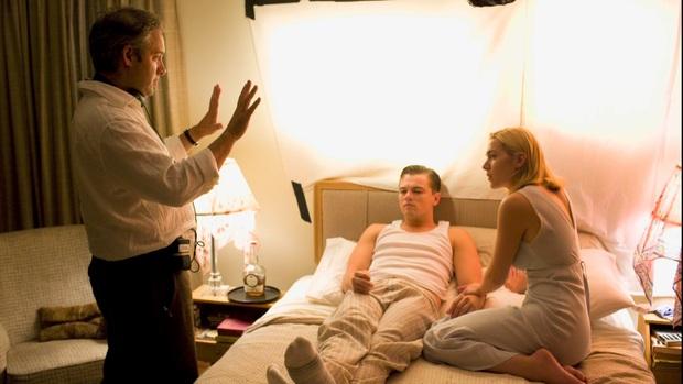 Chuyện ít người biết về 6 hậu trường cảnh nóng Hollywood: Chồng làm đạo diễn trực tiếp chỉ đạo vợ gần gũi bạn diễn? - Ảnh 1.