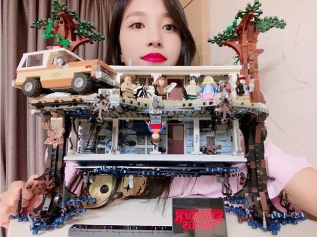 Chịu chơi như nữ idol Mina (Twice), đầu tư hẳn dàn PC cực xịn để rảnh tay thì cày game - Ảnh 3.