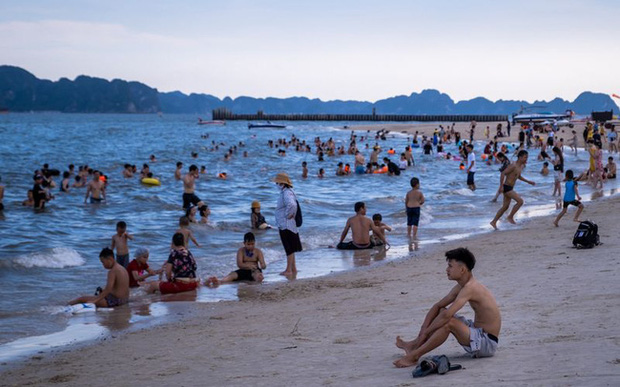 Bloomberg: Việt Nam là một cái tên nổi bật rõ ràng về sự phục hồi du lịch - Ảnh 1.