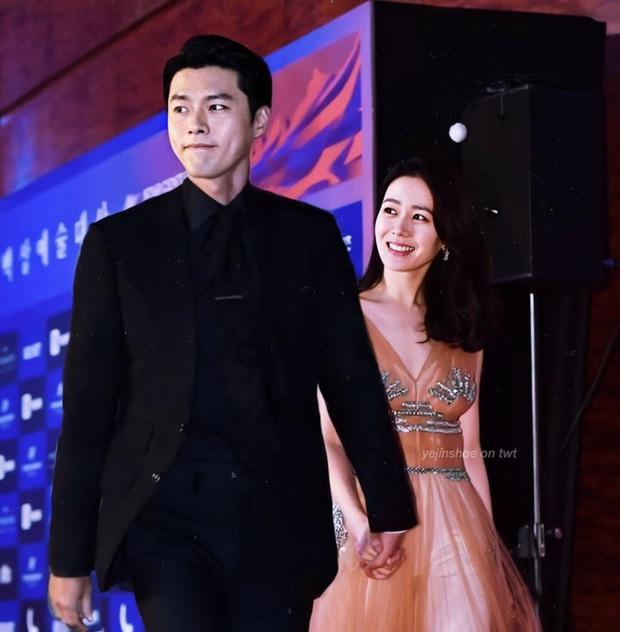 Hyun Bin và Son Ye Jin vừa xác nhận tham dự lễ trao giải Baeksang vào 5/6, netizen đã ngay lập tức so sánh với cặp đôi Song - Song ngày nào - Ảnh 2.