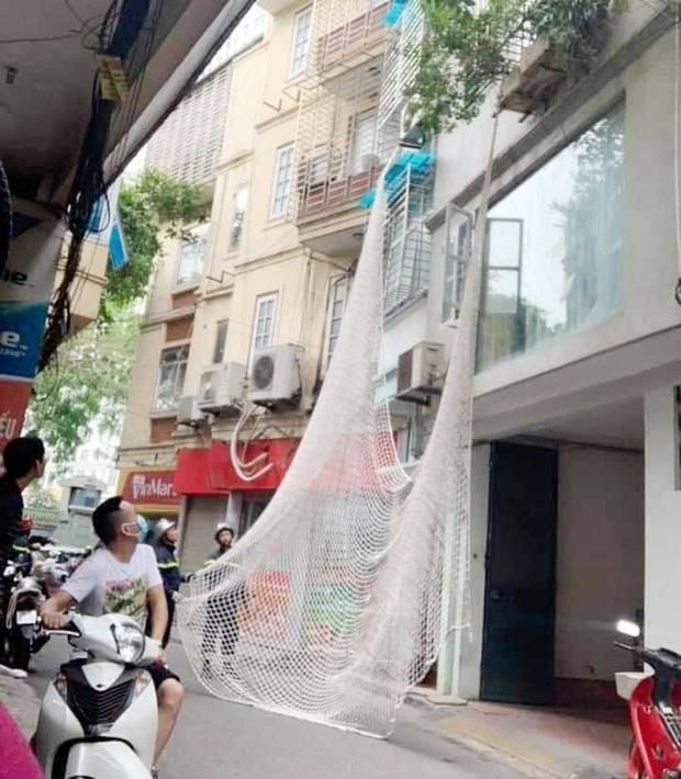 Nghi phạm dùng búa tấn công 2 chị em ở Bình Thuận có biểu hiện ngáo đá khi bị giăng lưới bắt giữ ở Hà Nội - Ảnh 1.