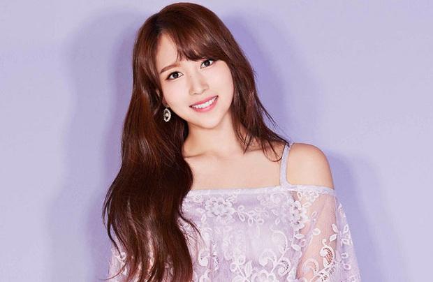 Chịu chơi như nữ idol Mina (Twice), đầu tư hẳn dàn PC cực xịn để rảnh tay thì cày game - Ảnh 6.