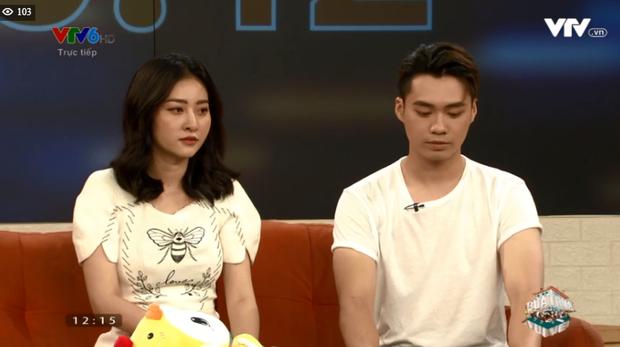 Huyền Thoại - Ngọc Anh đi show chung hậu Người ấy là ai nhưng sao ngồi xa cách thế này? - Ảnh 4.