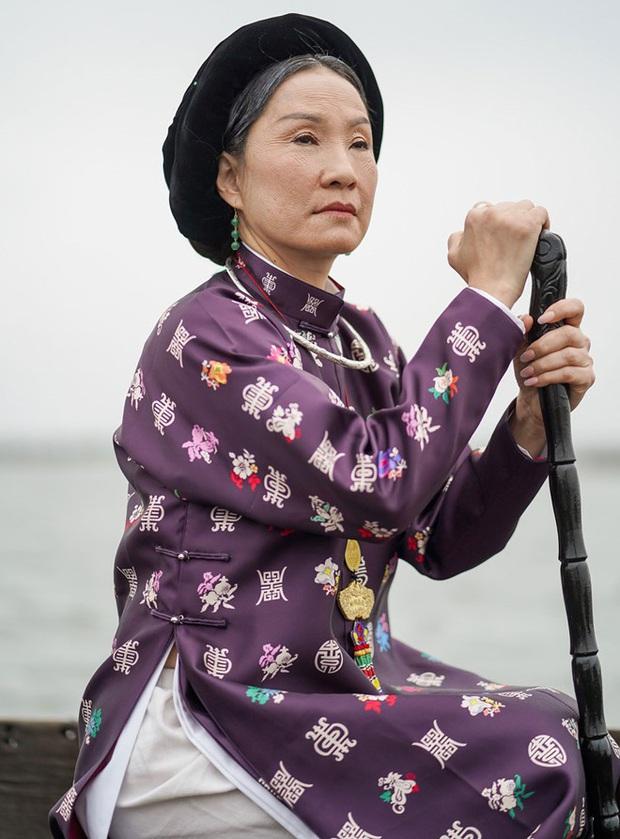 Đâu chỉ riêng cánh ca sĩ, cả làng phim Việt cũng chèo ghe họp chợ miền Tây, có cả khách mời đặc biệt là anh Lee Min Ho đây! - Ảnh 9.