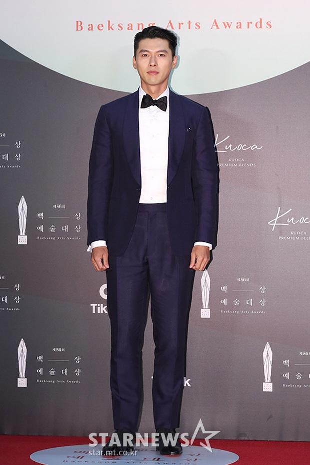 Siêu thảm đỏ Baeksang 2020: Son Ye Jin - Hyun Bin, Park Bo Gum - Suzy thái độ lạ, tiểu tam Thế giới hôn nhân lấn át cả IU, Seohyun - Ảnh 11.