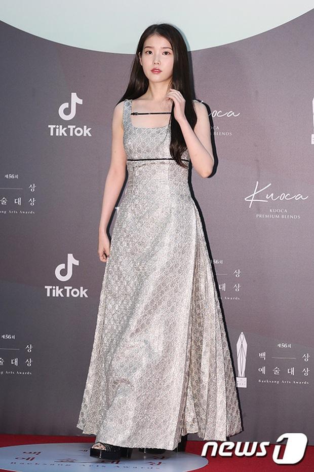 Siêu thảm đỏ Baeksang 2020: Son Ye Jin - Hyun Bin, Park Bo Gum - Suzy thái độ lạ, tiểu tam Thế giới hôn nhân lấn át cả IU, Seohyun - Ảnh 28.