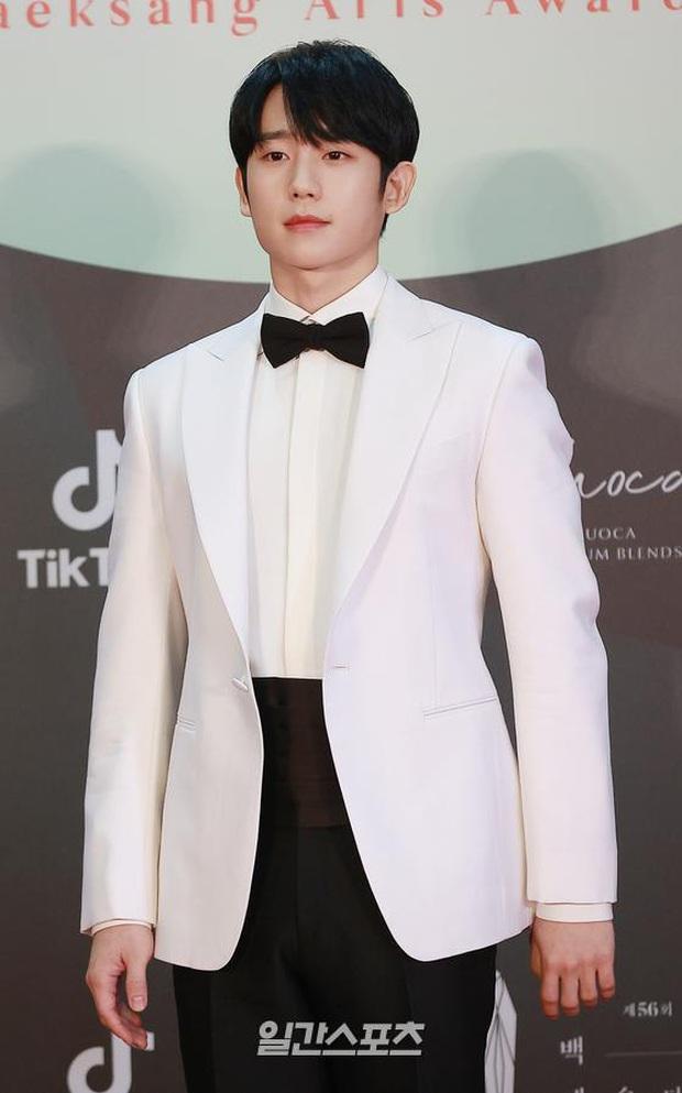 Siêu thảm đỏ Baeksang 2020: Son Ye Jin - Hyun Bin, Park Bo Gum - Suzy thái độ lạ, tiểu tam Thế giới hôn nhân lấn át cả IU, Seohyun - Ảnh 42.