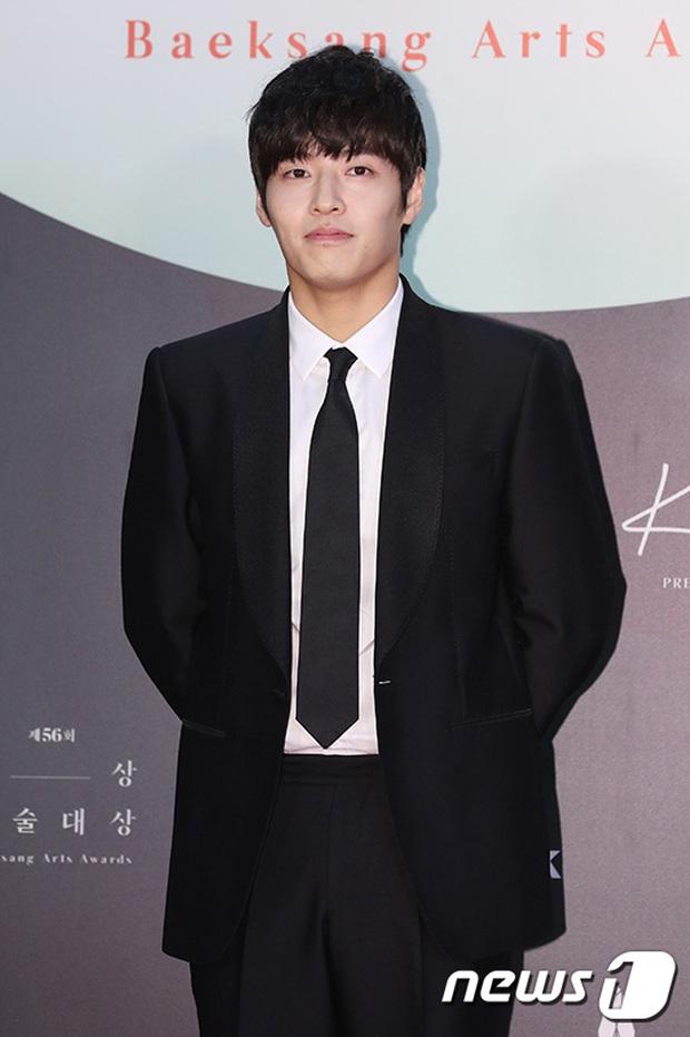 Siêu thảm đỏ Baeksang 2020: Son Ye Jin - Hyun Bin, Park Bo Gum - Suzy thái độ lạ, tiểu tam Thế giới hôn nhân lấn át cả IU, Seohyun - Ảnh 41.